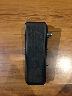 Pedal Behringer Hell Babe HB01 Ultimate Wah-Wah - Usado - comprar online