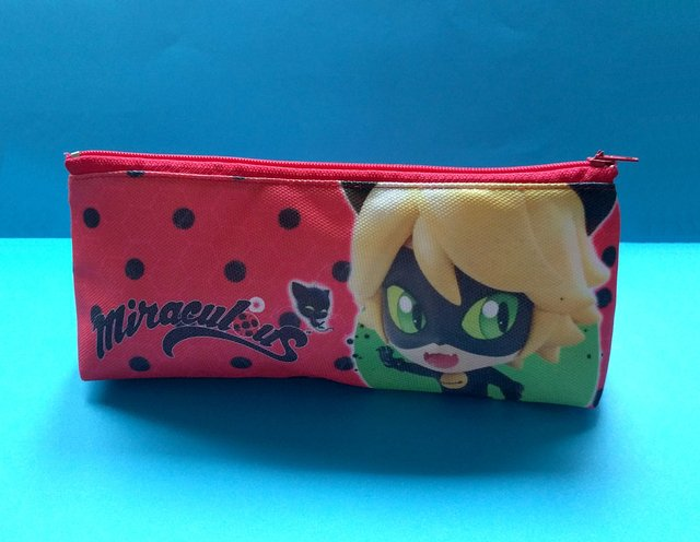 Cartuchera Triangular De Miraculous Ladybug en internet