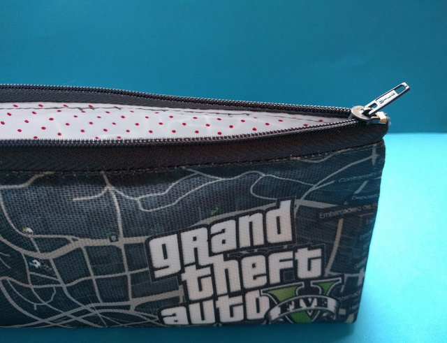 Cartuchera Triangular De Grand Theft Auto V en internet