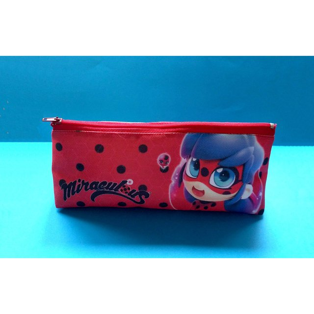 Cartuchera Triangular De Miraculous Ladybug - comprar online