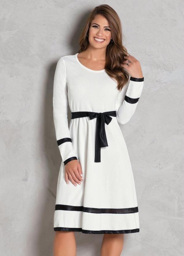 361dba4ee6 Vestido Evasê Off White e Preto Moda Evangélica