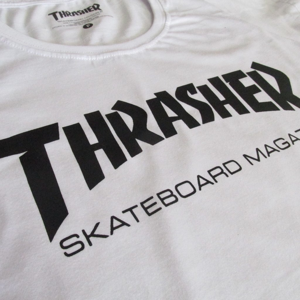 5d22a5543 Camiseta Thrasher Primeira Linha Skateboard Magazine Feminina