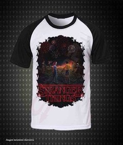 CAMISETA RAGLAN - STRANGER THINGS (TERCEIRA TEMPORADA)