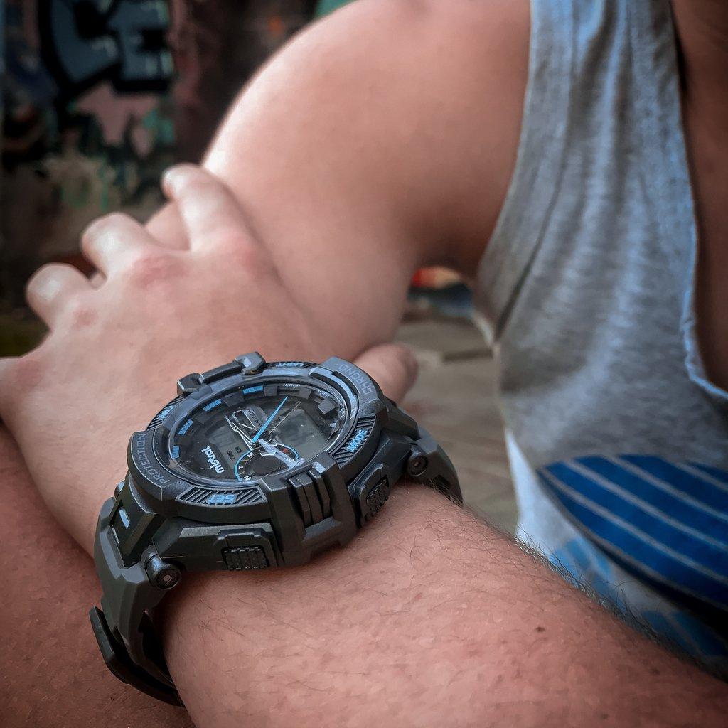 94e2cb2ca148 Reloj deportivo de hombre mistral