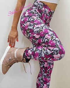 Legging plush up franzida no bumbum caveirinha floral rosa na internet