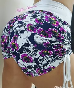 Short plush up franzido no bumbum caveira white - comprar online