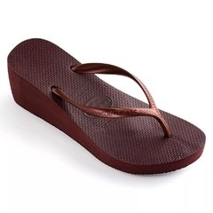 Chinelo Feminino Havaianas High Fashion Vinho De Uva - Salto na internet