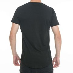 Remera Long Fit Negra Espalda