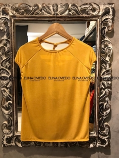 REMERA ESCOTE (23018) - ELINA OVIEDO SHOWROOM