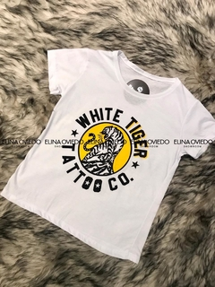 REMERA WHITE TIGER (18291479)