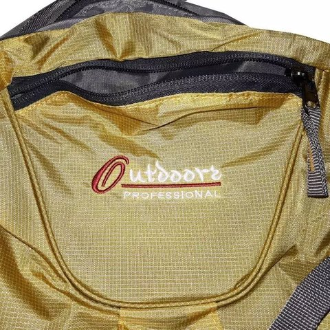 Mochila Camping 30 Lts Outdoors Professional Art 15043 en internet