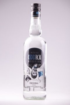 VODKA ODDKA ORIGINAL 750cm3