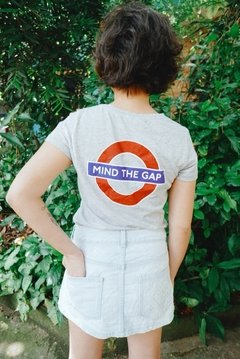 Camiseta London- Mind the Gap