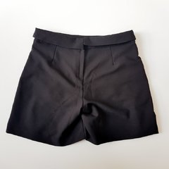 Shorts Saia Drapeado Preto A Collection na internet