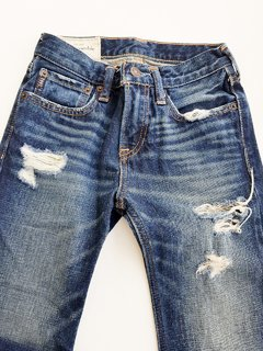 Calça Jeans Kids Destroyed Abercrombie na internet