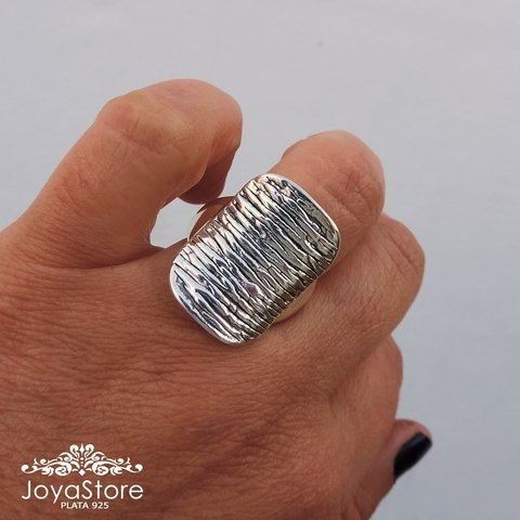 ANILLO RECTANGULAR RAYAS