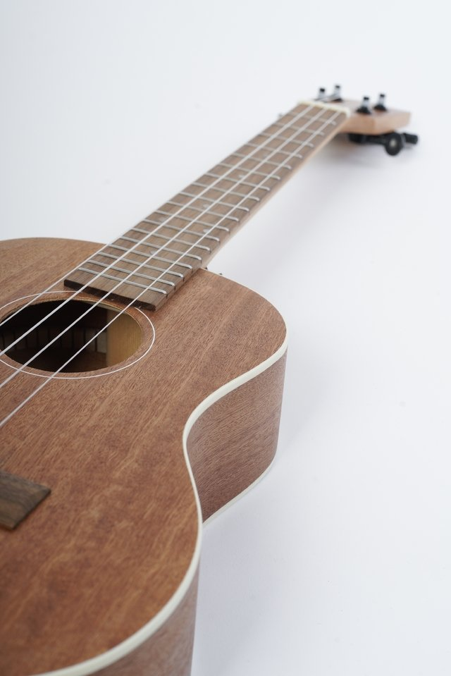 Image of Sapele wood Tenor Ukulele  (Includes bag)