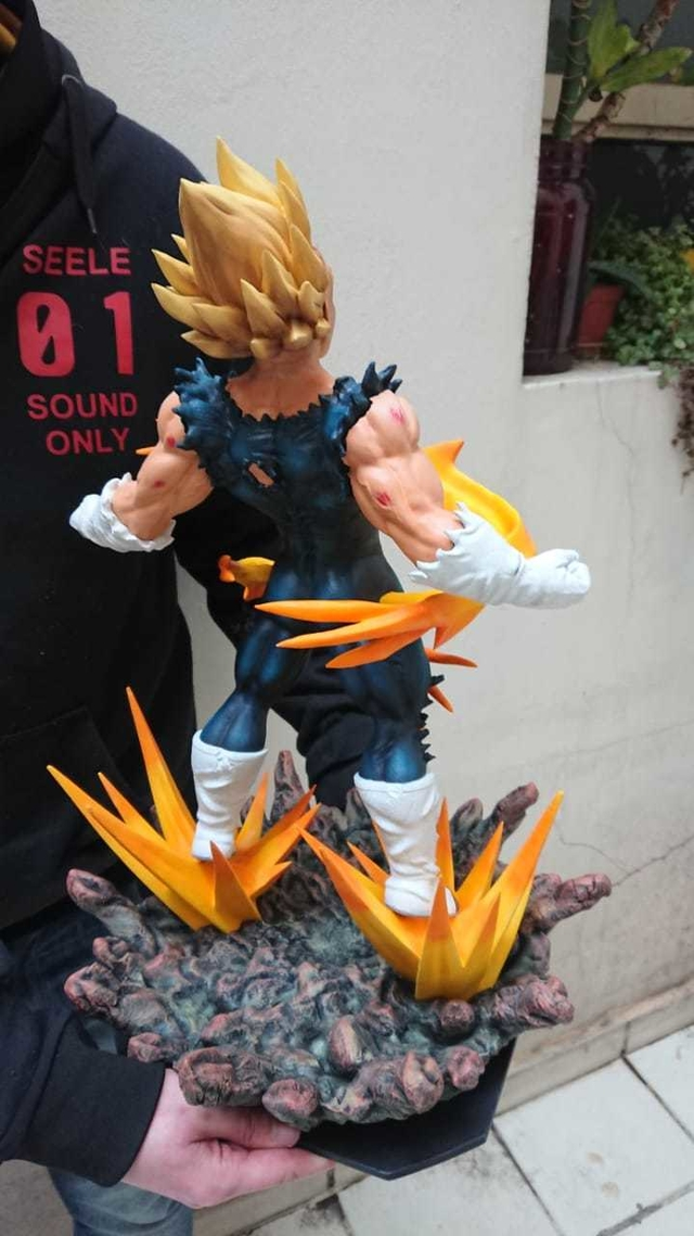 Estatua Vegeta Awakening 3d - BeSide
