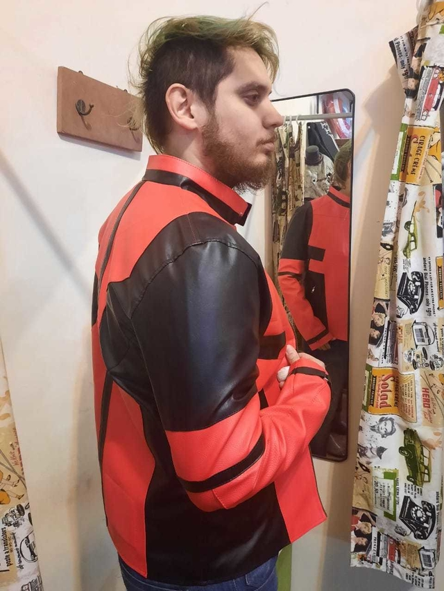 Campera Eco cuero Deadpool en internet