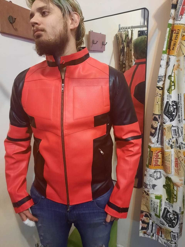 Campera Eco cuero Deadpool