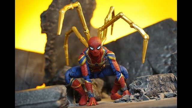 Figura Iron Spiderman SH Figuarts (Bootleg) - BeSide