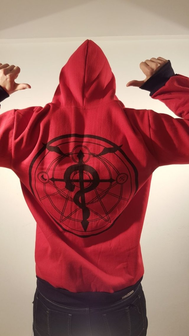 Campera FULL METAL ALCHEMIST + Reloj en internet