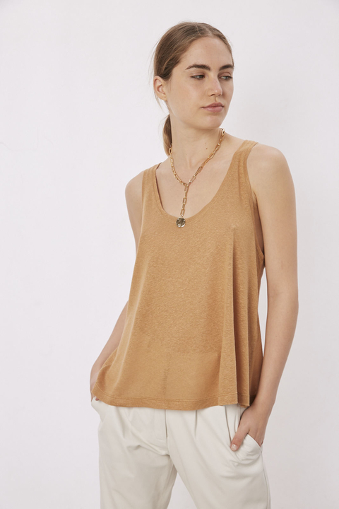 REMERA SUNG CAMEL