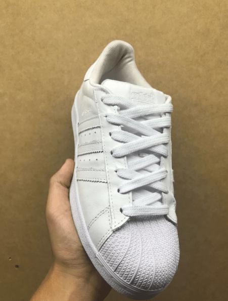 7e80c9802f2 Adidas Superstar todo branco + RELOGIO CASIO DE BRINDE. 1