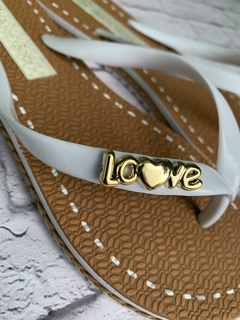 B-270-00-007 | Chinelo Love Branco na internet