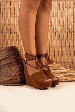 B-250-00-025S | Anabela Nevasca Boot Caramelo