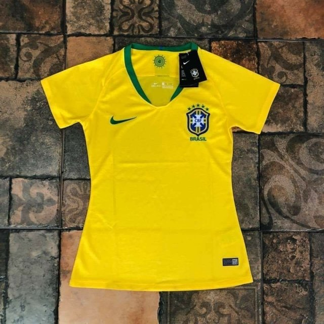 50b240e9a5 Camisa Feminina Brasil Amarela 2018 - Gold Cap