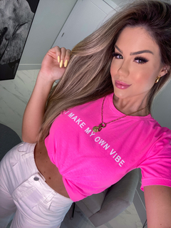 T-SHIRT MY VIBE ROSA NEON - comprar online