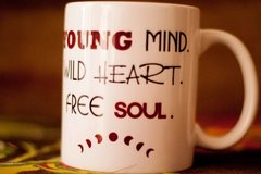 Caneca Young Mind! na internet