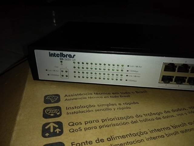 Switch Intelbras SG2620QR 24 Port 10/100+2 Portas Gigabit 10/100/1000 - Clicompre