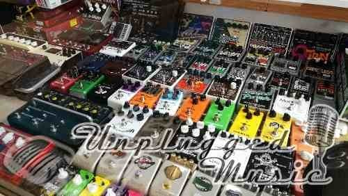 Pedalboard Para Pedales Con Funda Mediana - UNPLUGGED