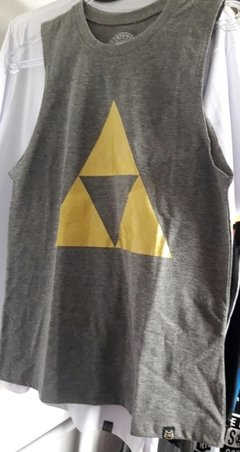 Regata Triforce Dourada - The Legend of Zelda