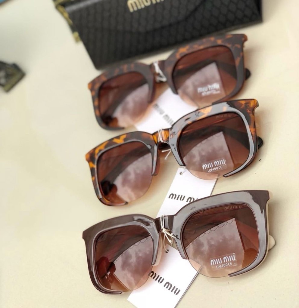 d9065f86c9471 Óculos Miu Miu Marrom - Comprar em Carly Charming