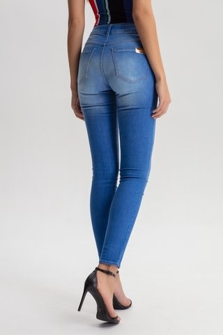 Calça Jeans Michelle High Skinny na internet