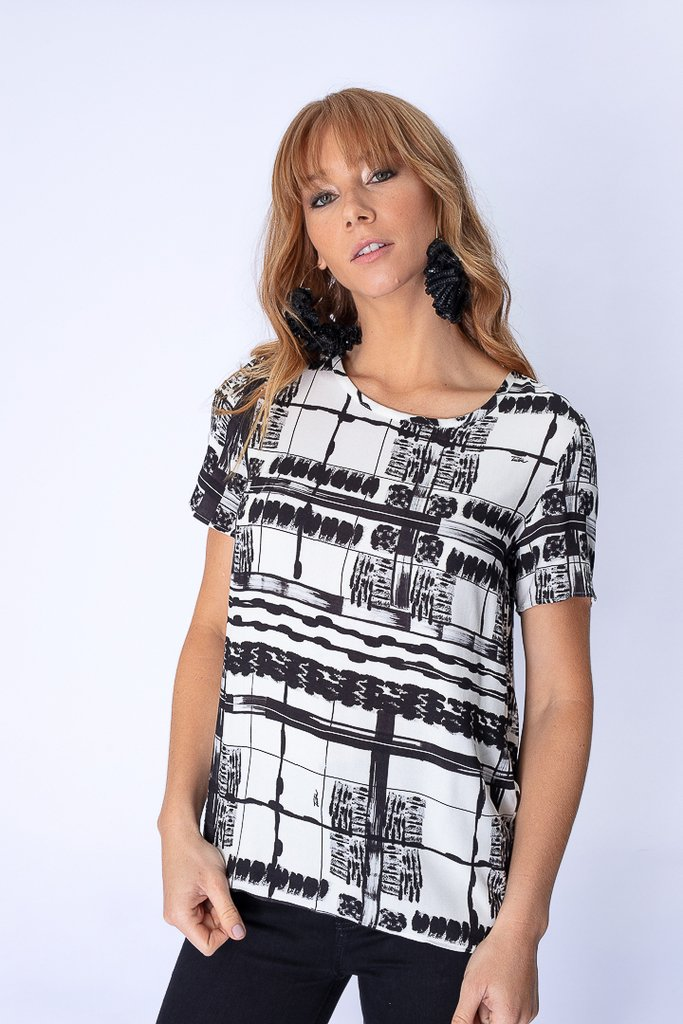 Camiseta Estampa p&b Square