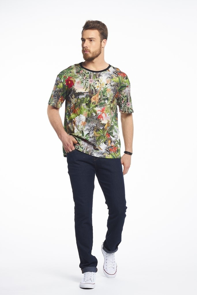 Camiseta Estampada Exotic Forest