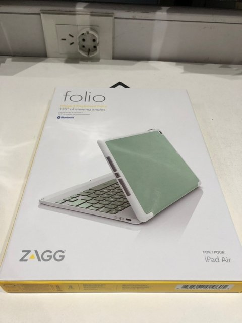Funda Zagg Con Y Teclado Bluetooth Ultra Delgada iPad Air