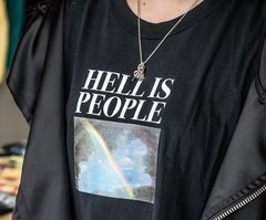 Camiseta Hell is People