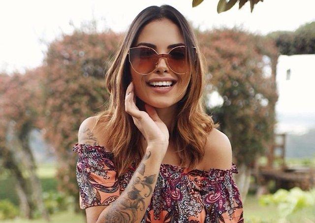 c5b1d26b1 Óculos de Sol Adulto Feminino Boho Gisela na internet ...