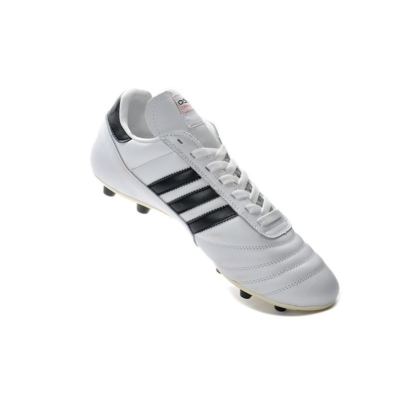 e3e5203400 Chuteira Adidas Copa Mundial Classica FG Branca Logo Preto. 1