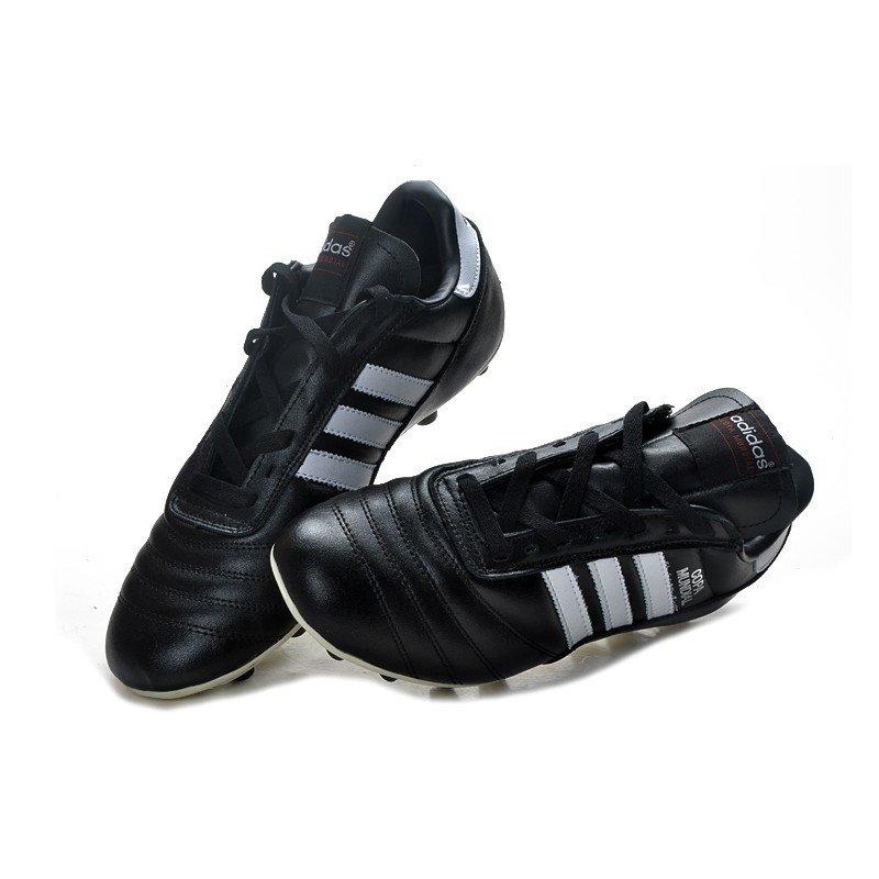 22b67605c29cc Chuteira Adidas Copa Mundial Classica FG Preto e Branco. 1
