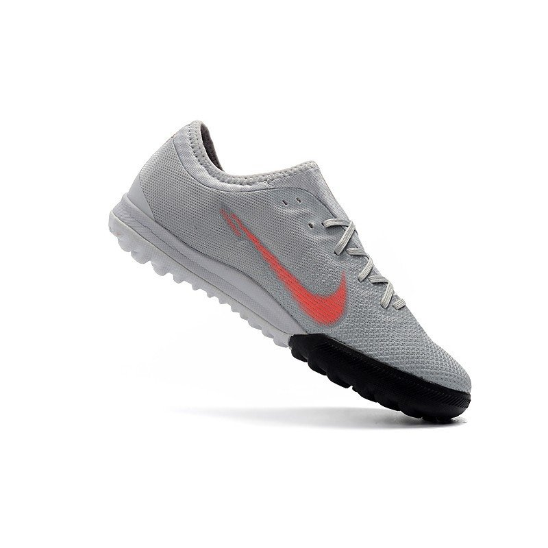 ca7fef39e41ab Tênis Nike Mercurial Society SuperFly VI Low Cinza/Logo Vermelha. 1