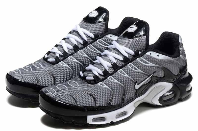 Nike Air Max plus tn preto e branco