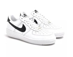 Tênis Nike Air Force 1 Low Branco / Preto na internet