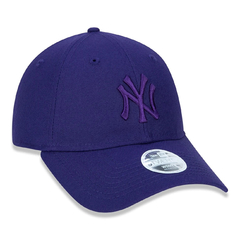 New Era 9Twenty New York Yankees Strapback Purple Tonal na internet
