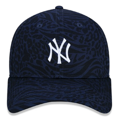 Boné New Era 9Twenty MLB New York Yankees Extra Fresh Animal Navy - Tênis Nike, Vans, Melissa, Hocks e muito mais! Cola na Phyton Shop!